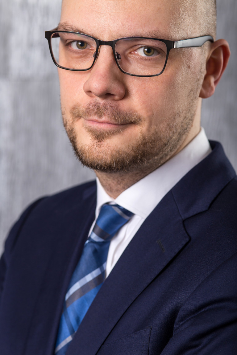 doktor_radoslaw_strugala